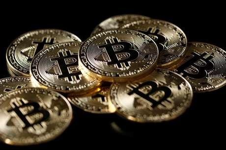 Ilustrações da moeda virtual bitcoin 8/12/2017 REUTERS/Benoit Tessier/Illustration