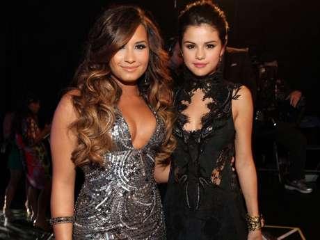 Selena Gomez e Demi Lovato eram melhores amigas, mas se afastaram com o tempo