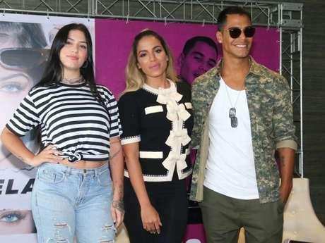 Agenciados por Anitta, Micael e Clau lançam seus novos clipes!