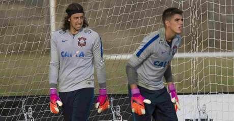 Diego Andrade com o titular do profissional Cássio em treino no Corinthians