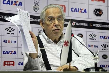 Eurico Miranda rebateu acusações de Julio Brant e negou denúncias (Foto: Paulo Fernandes/Vasco.com.br)