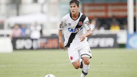 Mateus Vital assinará com o Corinthians até o fim de 2021 (Foto: Marcelo Sadio/Vasco)