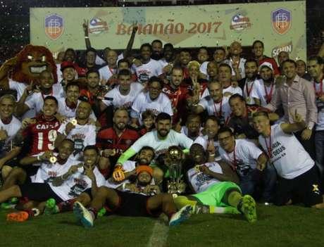 Vitória foi o campeão baiano de 2017 ao bater o Bahia na decisão do torneio (Foto: Mauricia da Matta/Vitória)
