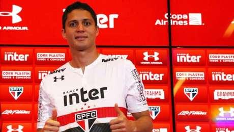 O zagueiro Anderson Martins chega ao São Paulo para disputar uma vaga no concorrido sistema defensivo