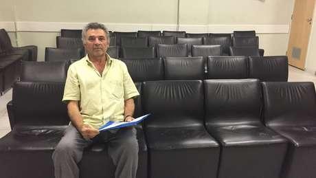 Raimundo Oliveira conta ter esperado dez anos e passado por quatro hospitais para conseguir fazer cirurgia urológica