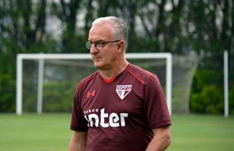 Técnico quer evolução em relação ao que o time jogou no segundo turno do Brasileiro (Rubens Chiri/saopaulofc.net)