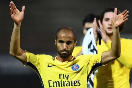 Lucas vem ganhando poucas chances com a camisa do PSG (Foto: FRANCK FIFE / AFP)