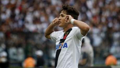 Mateus Vital em ação pelo Vasco (Foto: Reginaldo Pimenta/Raw Image)