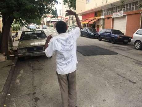 Além da atual terceira camisa do Timão, o torcedor ganhou outras cinco camisas desde que sua foto viralizou