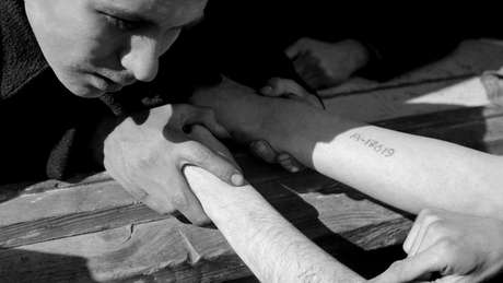 Apenas prisioneiros de Auschwitz e dos campos Birkenau e Monowitz eram tatuados
