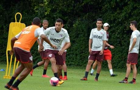 São Paulo prepara dois times diferentes durante a curta pré-temporada em seu CT (Érico Leonan/saopaulofc.net)