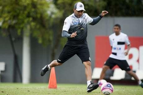 Jair Ventura promove mudanças no Santos e ganha apoio de santistas (Foto: Ivan Storti)