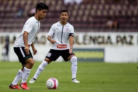 Fabrício Oya foi destaque na vitória do Corinthians (Foto: Rodrigo Gazzanel)