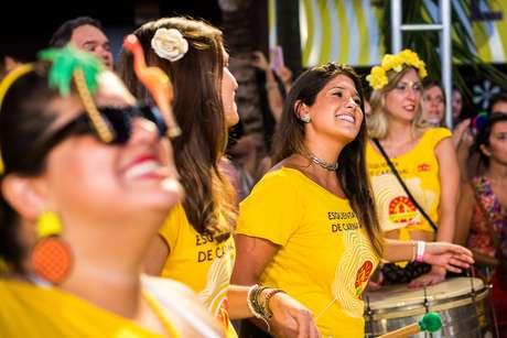 150 mulheres integram a bateria do Bangalafumenga em SP
