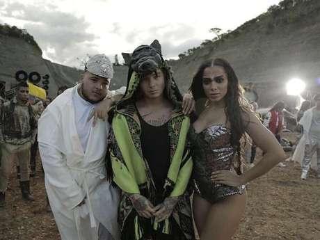 Anitta lança clipe da inédita