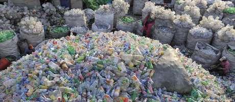Menos de 30% do plástico produzido na União Europeia é reciclado.