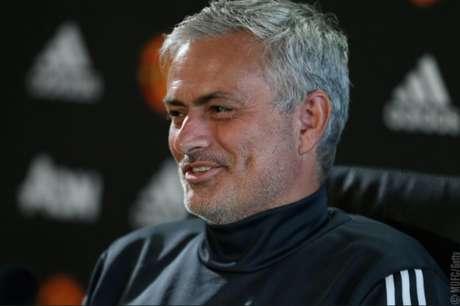 Mourinho deve renovar o vínculo até junho de 2021 (Foto: Divulgação)
