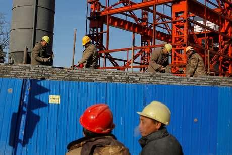 Economia chinesa supera expectativas e cresce 6,9% em 2017