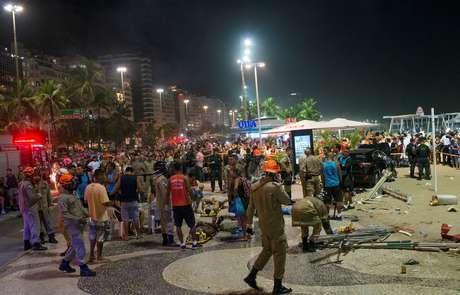 Imagem mostra vítimas atropeladas e destruição causada por carro que invadiu o calçadão de Copacabana.