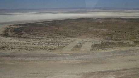 A ilha de Panza já não está mais cercada de água - ela é apenas um amontoado de terra