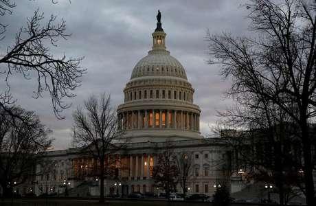 Câmara dos EUA aprova orçamento que evita paralisação do governo