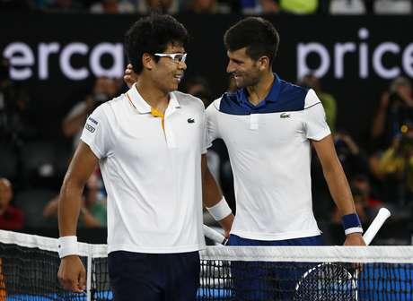 Chung joga muito e supera Djokovic para seguir no Australian Open