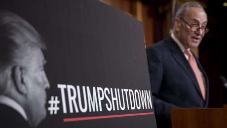 Oposição aceita acordo para reabrir governo dos EUA