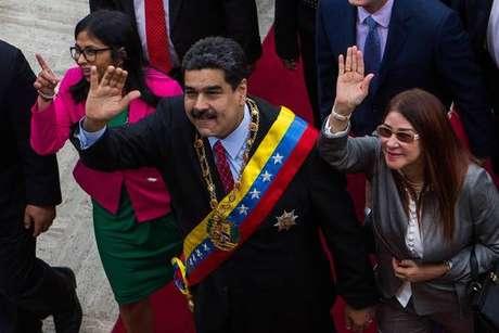União Europeia impõe sanções a autoridades venezuelanas