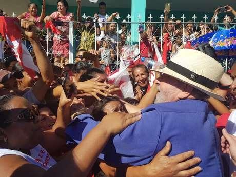 Em caravanas pelo Brasil, Lula se comportou como candidato presidencial | foto: André Shalders / BBC Brasil