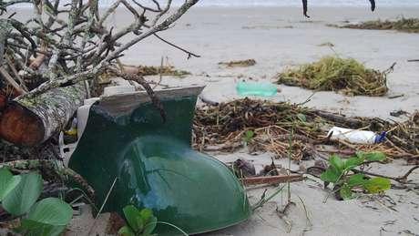 Privada também foi encontrada na areia em uma das praias | Foto: Divulgação