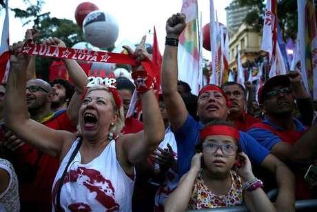Relator mantém condenação de Lula e pede aumento da pena