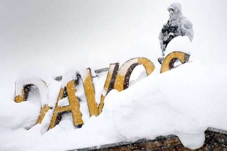 Em Davos, Temer defende reformas e diz que país superou crise