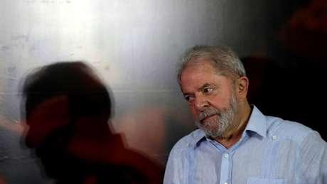 Justiça brasileira impede Lula da Silva de sair do país