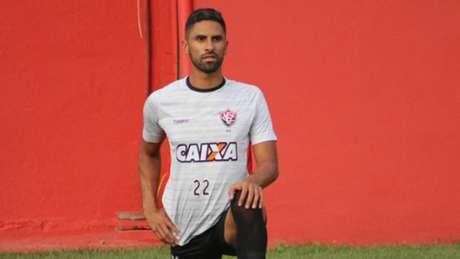 Recém-chegados, Tréllez e Nenê fazem primeiro treino no São Paulo