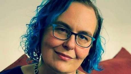 Rachel convive há anos com cinco vozes diferentes que vivem comentando tudo o que ela faz   Foto: Arquivo Pessoal
