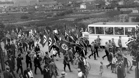 Depois da guerra, Karl Niemann, que gostava de tirar fotos, foi acusado de crimes de guerra e contra a humanindade | Foto: Derek Niemann
