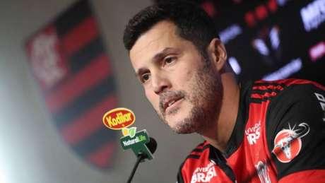 681121fbfd Apresentação do Júlio César no Flamengo