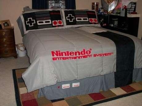 4. Quarto de gamer com cama inspirada no Nintendo NES Classic Edition