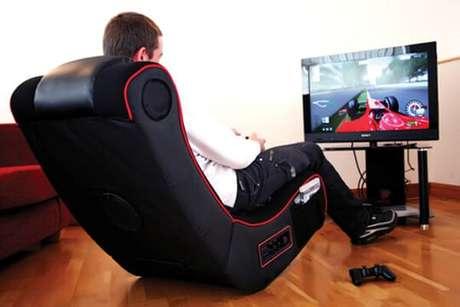 11. Existem vários tipos de cadeira gamer, mas o preço pode ser um pouco alto