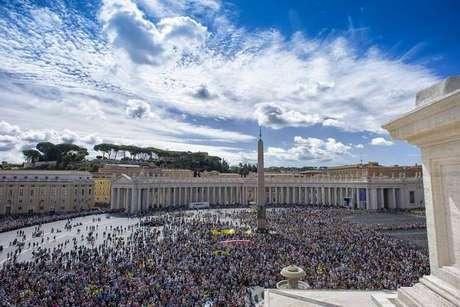 Vaticano nega problemas em debates com o governo chinês
