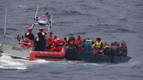 Travessia partindo das Bahamas vem se tornando uma alternativa à tradicional rota pelo México | Foto: Guarda Costeira dos EUA