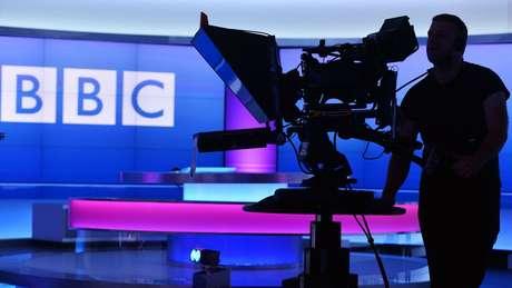 O diretor-geral da BBC, Tony Hall, reconheceu que a empresa 'cometeu alguns erros'