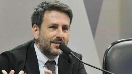 Rennó (acima) afirma que 'há uma ideia de que, em 2010, Lula foi um importante cabo eleitoral de Dilma Rousseff. Mas isso ocorreu em grande medida por conta do sucesso econômico daquele momento' | Foto: Ag Senado