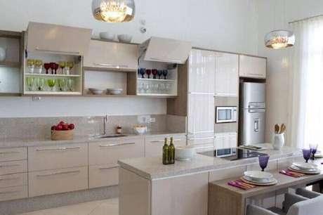 14.Se sua cozinha é espaçosa também vale investir em cozinhas planejadas para otimizar o ambiente