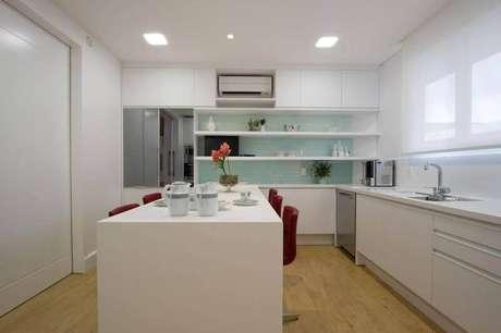 28. Cozinha decorada bem clean