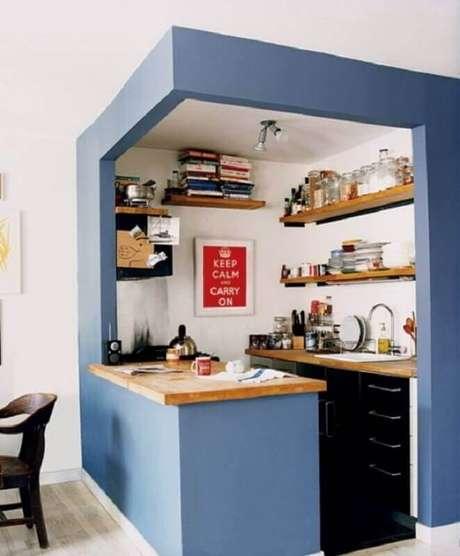 41. Muito charmosa a decoração dessa cozinha pequena