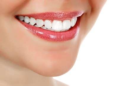 Estudos mostram que 18% a 52% das pessoas estão insatisfeitas com a coloração de seus dentes