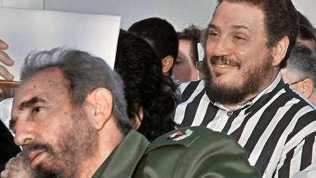 Fidel Castro e o filho, Fidelito: divulgação de notícia sobre o suicídio na imprensa oficial causou surpresa
