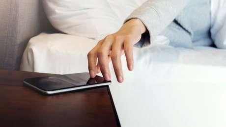 Receber mensagens deixou de ser prazer e passou a causar irritabilidade, diz pesquisadora