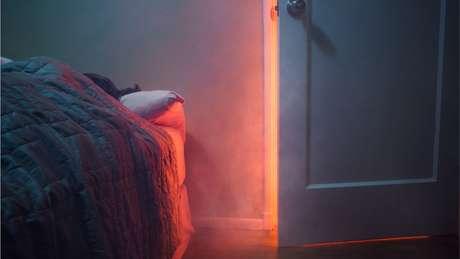 Quando se esquece o forno ligado, há risco de intoxicação pela fumaça